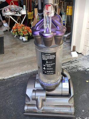 Dyson airmuscle vacuum for Sale in Fort Worth, TX