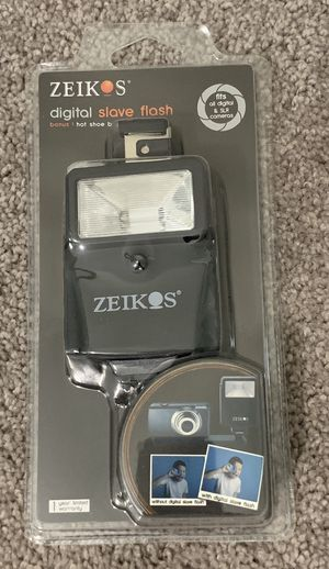 IN BOX ZEIKOS DIGITAL SLAVE FLASH FOR ALL DIGITAL & SLR CAMERAS for Sale in Chapel Hill, NC
