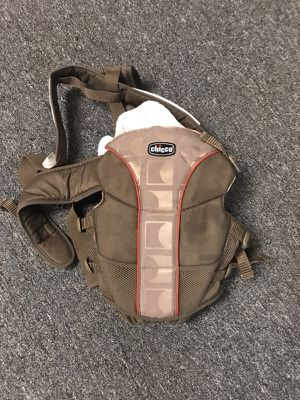 Chicco Baby carrier for Sale in Grosse Pointe Farms, MI