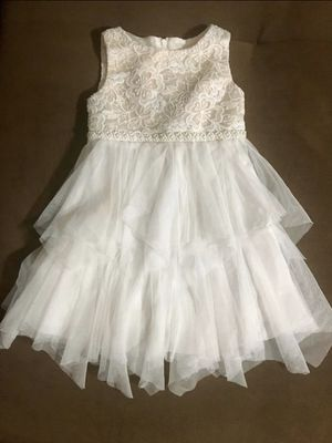 Little Girl White Dress Size 6 for Sale in Covina, CA