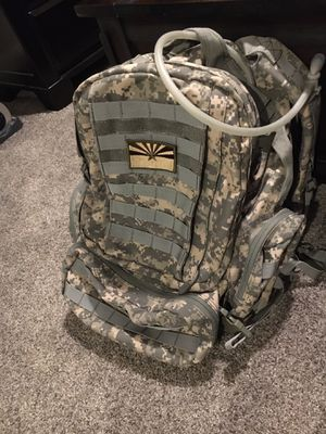 Large Camo 3 Day Backpack with hydration pack for Sale in Gilbert, AZ