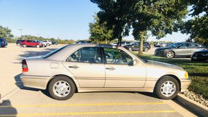 Mercedes c230 2000 for Sale in Bloomington, IL