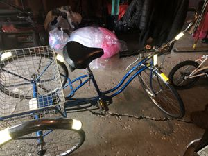 1972 (I believe) schwinn town and county trike for Sale in Winthrop Harbor, IL