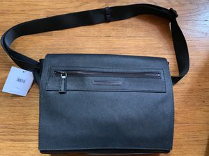 NWT Calvin Klein City Messenger Bag for Sale in Montebello, CA