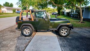 1995 Jeep Wrangler YJ Rio Grande for Sale in Cutler Bay, FL