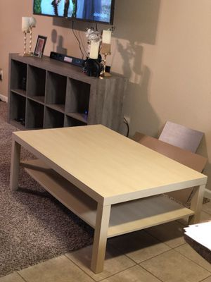 Coffee table for Sale in Waynesville, MO
