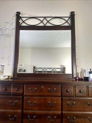 Dresser with large mirror and side table for Sale in Worthington, OH