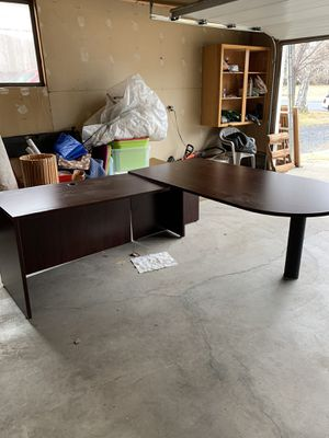 Desk for Sale in Redmond, OR