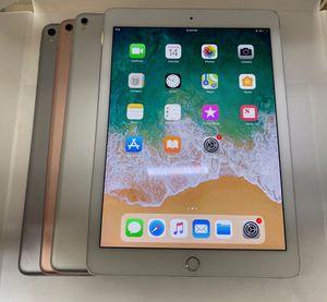 Apple iPad Pro 9.7 128gb for Sale in Chicago, IL