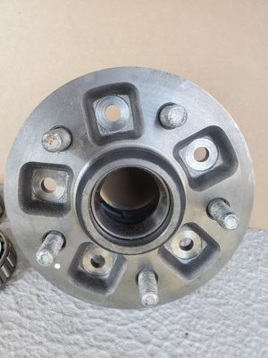 Toyota wheel hub assembly OEM for Sale in Redlands, CA