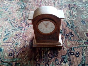 A Vintage and Antique Quartz Clock for Sale in Downers Grove, IL