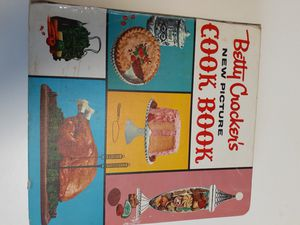 Betty cocker's new picture cook book 1961 for Sale in Houston, TX