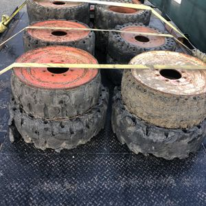 Free Bobcat / Skidsteer Wheels for Sale in Chula Vista, CA