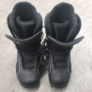 Morrow men's size 8 snowboard boots (also fit women's size 9 or Youth size 7) for Sale in Renton, WA