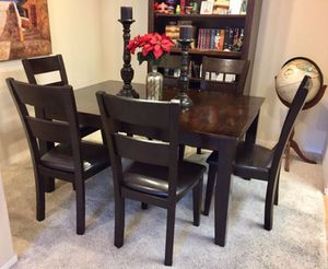 Gorgeous Hardwood Dinning Set With 6 Cushioned Chairs for Sale in Carlsbad, CA
