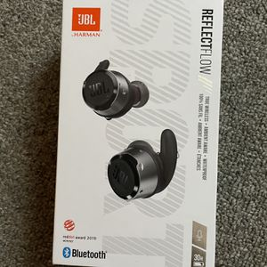 Brand new JBL Earbuds Wireless for Sale in New Britain, CT