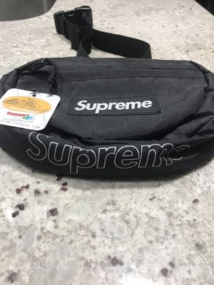 AUTHENTIC - SUPREME WAIST BAG - FW18 - BLACK - BRAND NEW WITH TAGS - LOCATED IN GOODYEAR for Sale in Goodyear, AZ