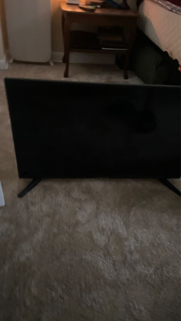 32 Inch HDMI 1080p TV w/ built in DVD player