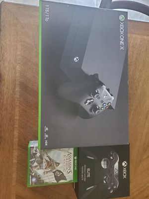 Xbox One (Like new condition with box) with Elite controller (like new condition with box) And six games for Sale in Reynoldsburg, OH