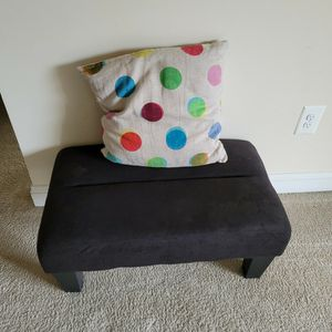 Ottoman & Pillow for Sale in Herndon, VA