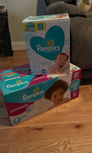 Pampers cruisers, wipes sensitive for Sale in Baltimore, MD