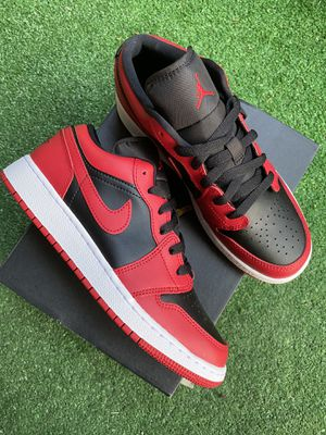 Jordan 1 low. BRED COLOR. Size 6M. for Sale in Temecula, CA