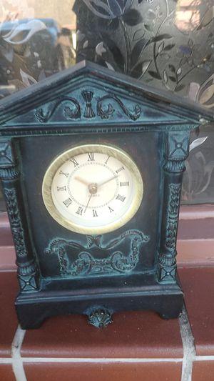 Antique clock for Sale in Pompano Beach, FL