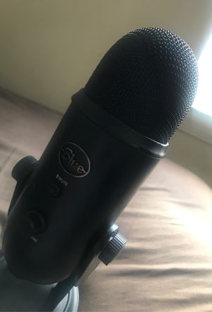 Blue Yeti Mic(Reposted for those who wanted more pics) for Sale in Fort Washington, MD