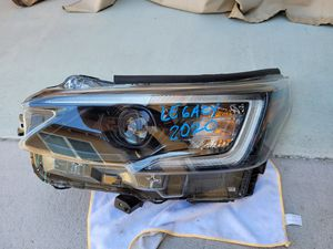 Subaru legacy 2020 left headlight for Sale in Lawndale, CA