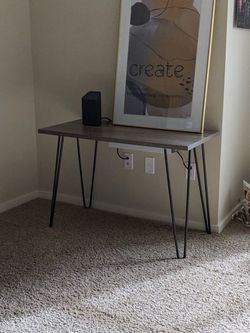 Small Desk / Table ( H: 26 in L: 40 in W: 19.5 in ) for Sale in Kirkland,  WA