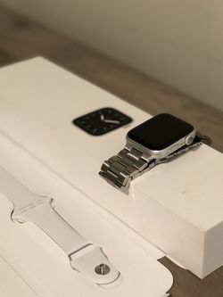 Apple Watch Series 5 for Sale in Alpine,  CA