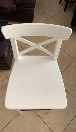 White Bar stool for Sale in Pompano Beach, FL