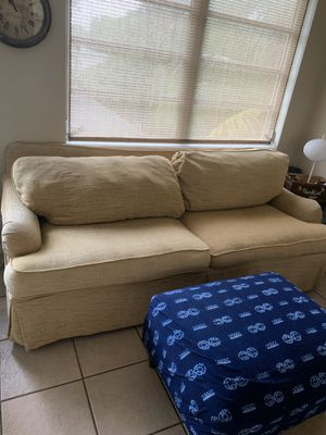 Repurposed infinity ottoman for Sale in Fort Lauderdale, FL