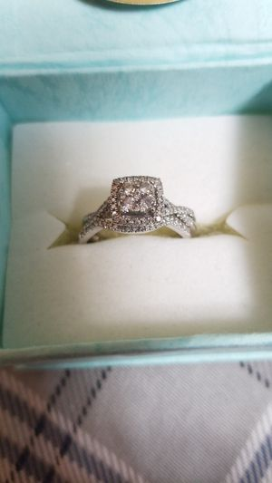 10k white gold diamond wedding ring for Sale in Alsip, IL