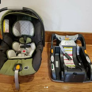 Chicco car seat Keyfit30 $100. Excelent condition for Sale in Clifton, NJ