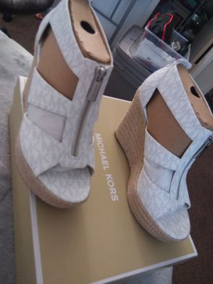Michael Kors size 7m Women's Platforms New for Sale in Apple Valley, CA