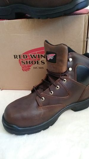 Red Wing Shoes MEN'S FLEXBOND 6-INCH BOOT Style #4421. Men Boots. Red Wings Leather Boots for Men for Sale in Riverside, CA