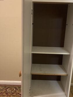 Cabinet for Sale in Des Moines,  WA