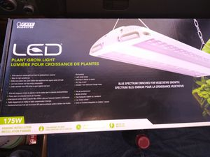Feit Electric 175w Led Grow light. $ 150 for Sale in Riverside, CA