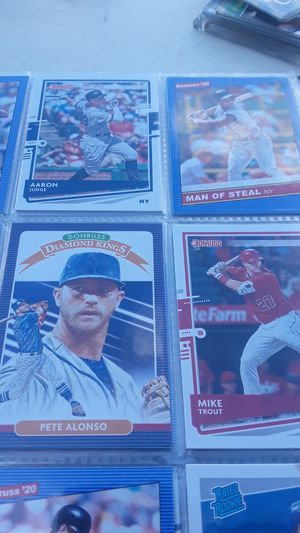 5 albums of new baseball cards. Donruss, topps chrome, panini prizm 2018-20 for Sale in Lutz, FL