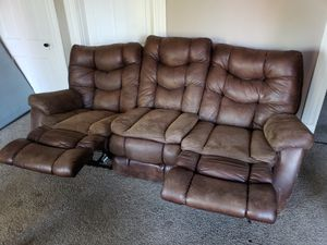 This is a beautiful dual reclining sofa made by Home Stretch in Nettleton MS for Sale in St. Louis, MO