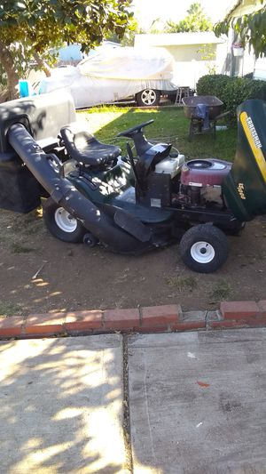 Tractor lawnmower craftsman for Sale in Spring Valley, CA