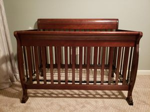 Delta Convertible Crib and Conversion Kit (full size bed) for Sale in Houston, TX