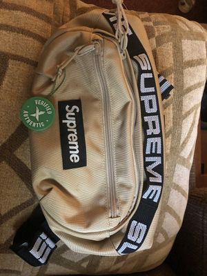 Supreme Waist bag for Sale in San Antonio, TX