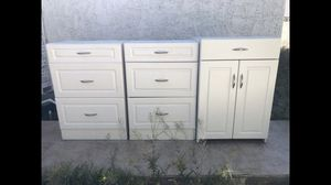 White cabinet and shelf's for Sale in Las Vegas, NV