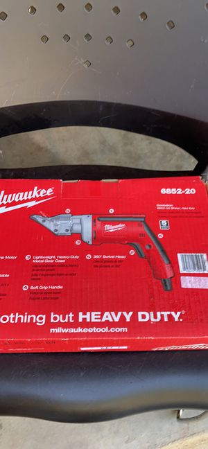 MILWAUKEE 18Gauge metal shear 6852-20 -6.8 A Variable speed Heavy Duty. for Sale in Raleigh, NC