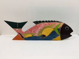 "Hand painted 16"" Wooden Fish / Multicolored Excellent Condition for Sale in Oakland Park, FL"