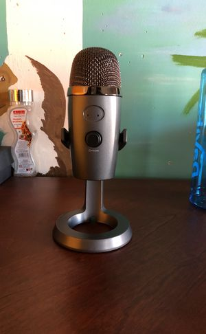 Blue Yeti Nano , comes with cables and box 3 months barely used for Sale in Herndon, VA