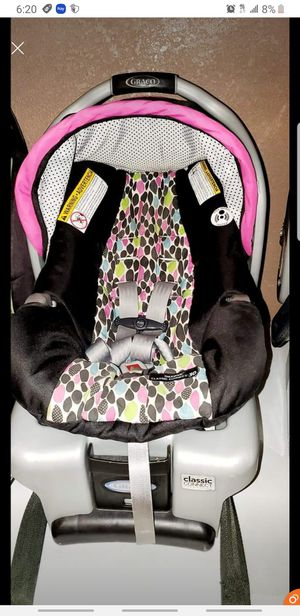 Graco Snugride 30 Click Connect Infant Baby Carseat Car Seat With Base for Sale in Pasadena, TX