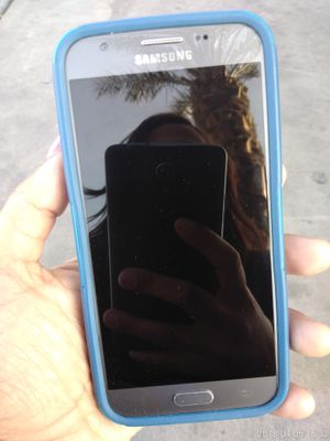 Samsung phone with case for Sale in Las Vegas, NV